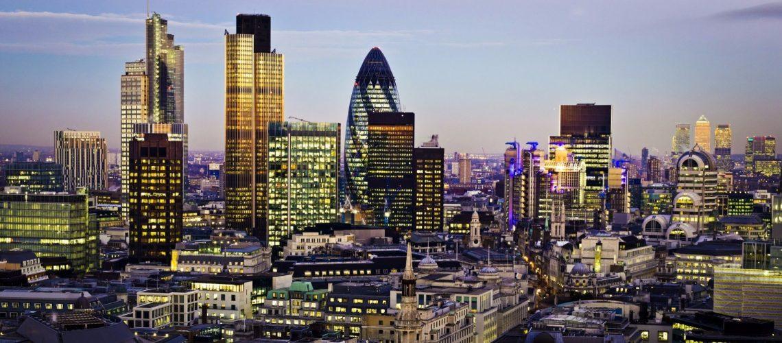 London Skyline-2284x1080